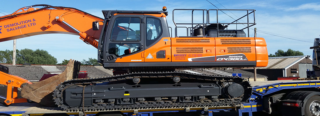 Plant Hire - Wessex Demolition - Doosan DX380 Excavator