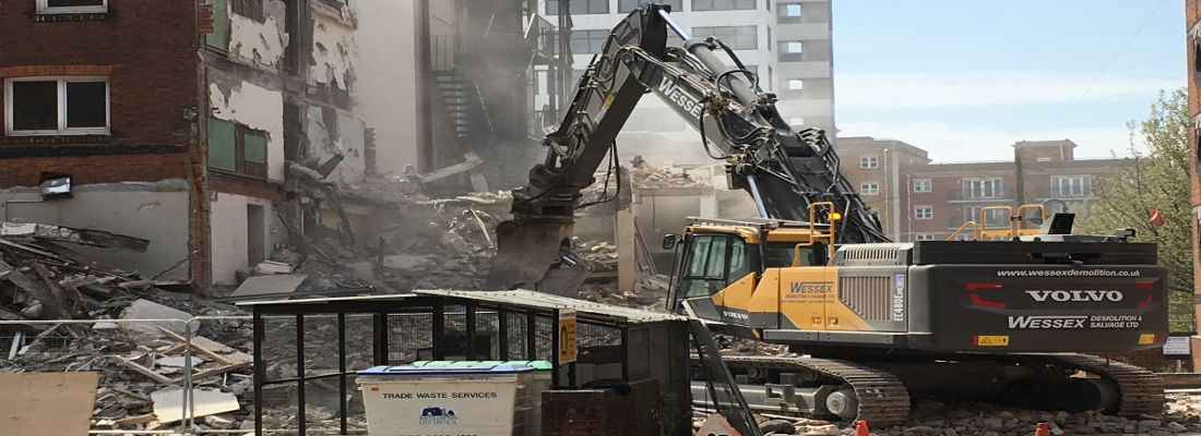 Volvo EC480 Excavator working at Southampton Park Hotel
