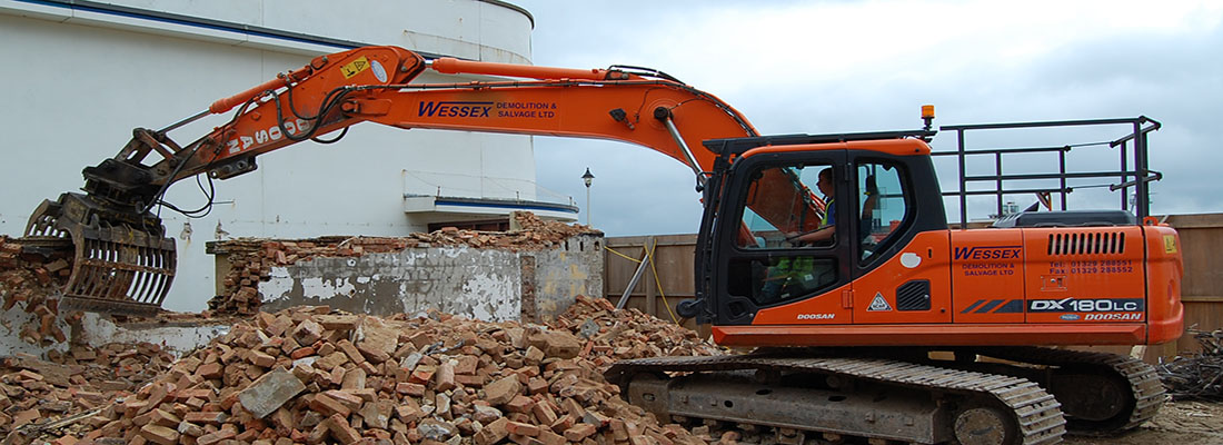 Plant Hire - Wessex Demolition - Doosan DX180 Excavator