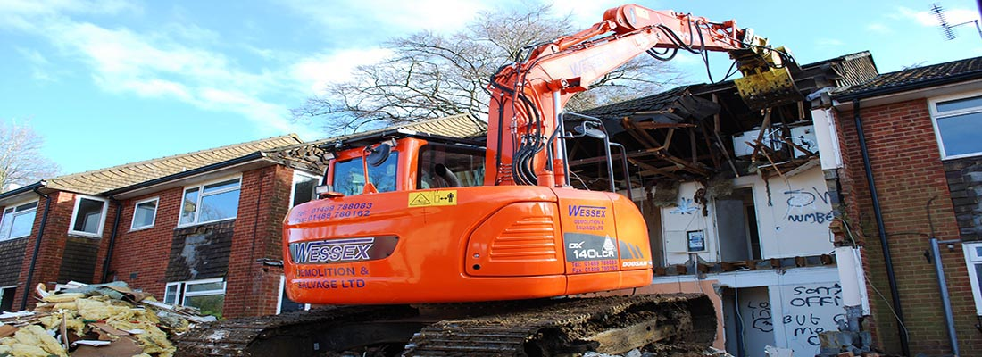 Plant Hire - Wessex Demolition - Doosan DX140 Excavator