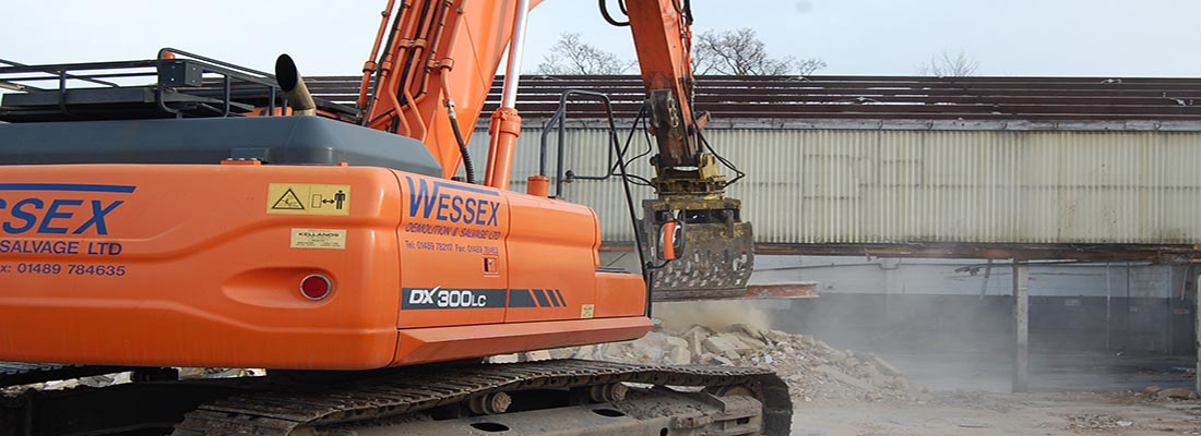 Plant Hire - Wessex Demolition - Doosan DX300 Excavator