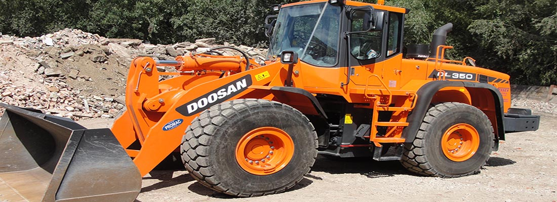Plant Hire - Wessex Demolition - Doosan DL350 Loading Shovel